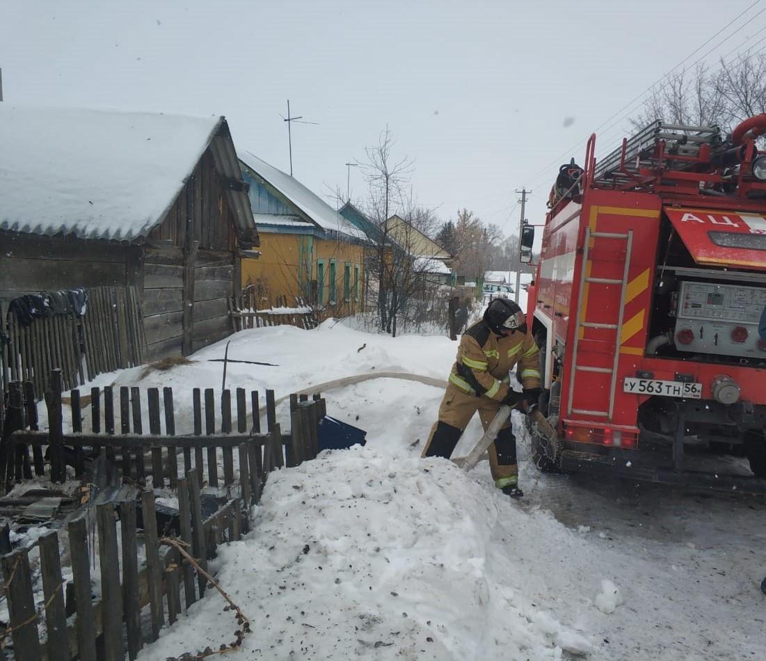 Пожар в Грачёвском районе унёс жизни двух людей