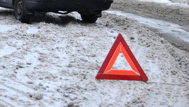 Пожарно-спасательные подразделения МЧС России приняли участие в ликвидации ДТП в Гайском городском округе