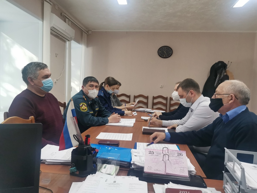 Cовещaние Комиссии по делам несовершеннолетних и защите их прав в МО «Шарлыкский район»