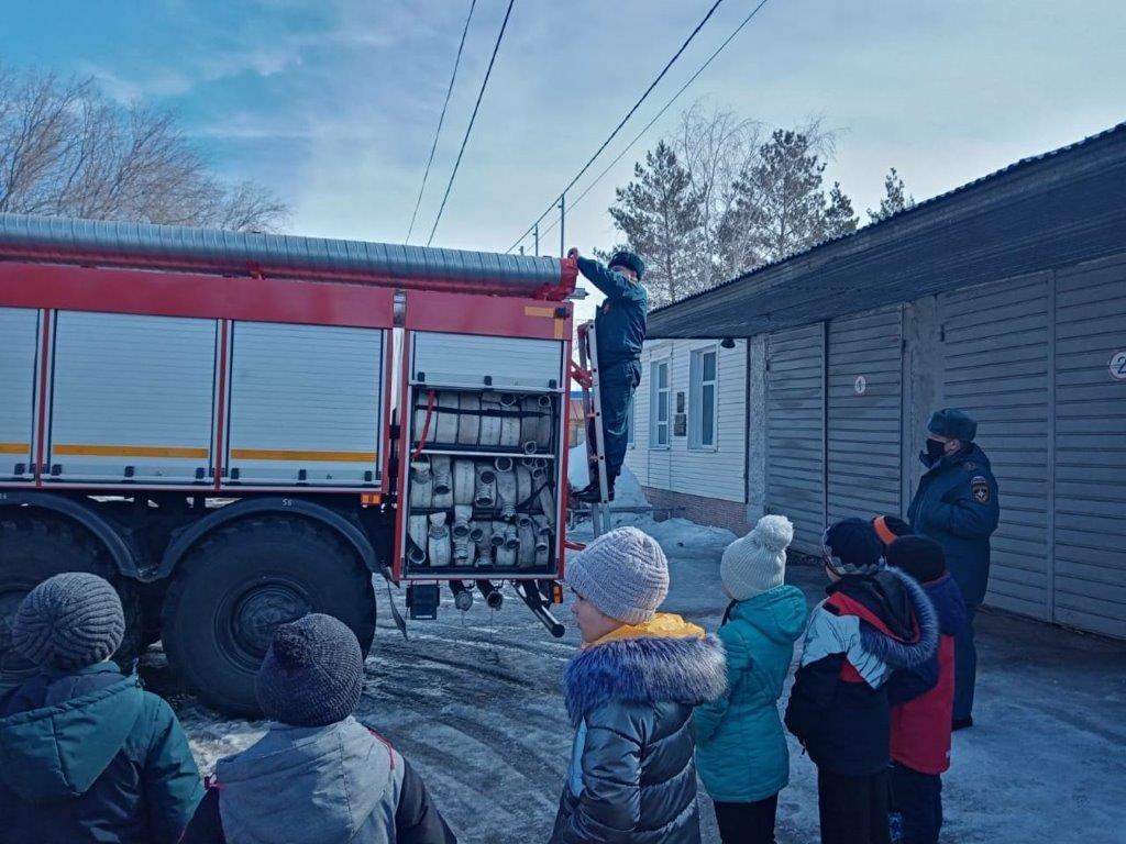 В 40-й пожарно-спасательной части г. Сорочинска  прошла экскурсия для школьников