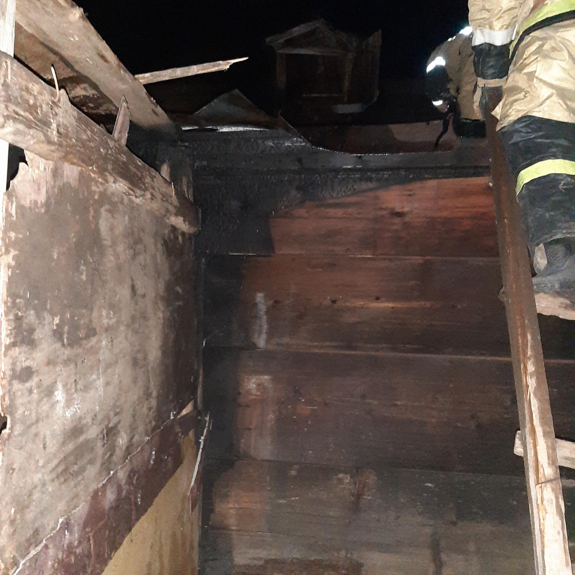 Неосторожное обращение с огнём едва не оборвало жизнь жителей Матвеевского района