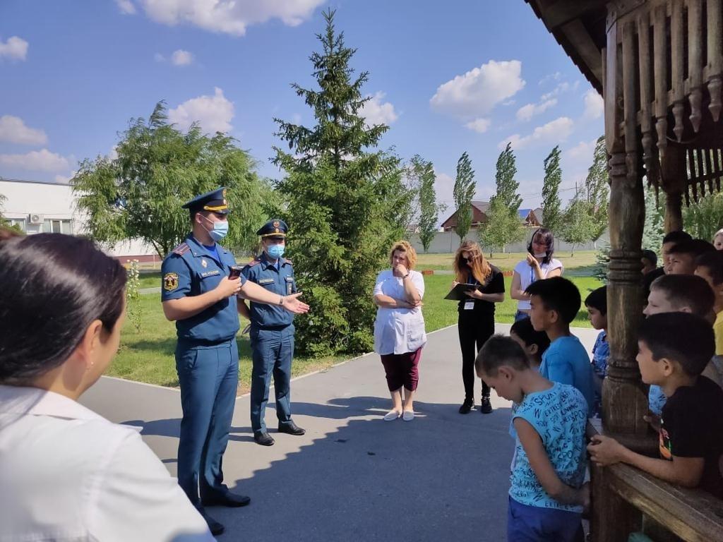 Практическая тренировка по отработке действий персонала и посетителей при возникновении пожара в детском лагере